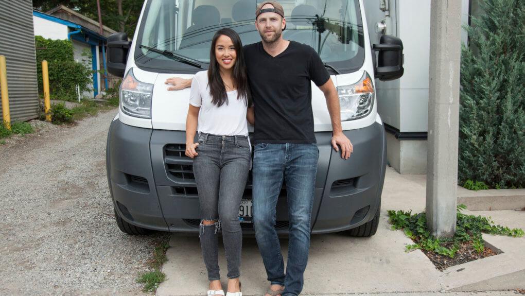 Major Tom's Vickie Hsieh and her Brandvan co-founder Keith Jones standing in front of their van
