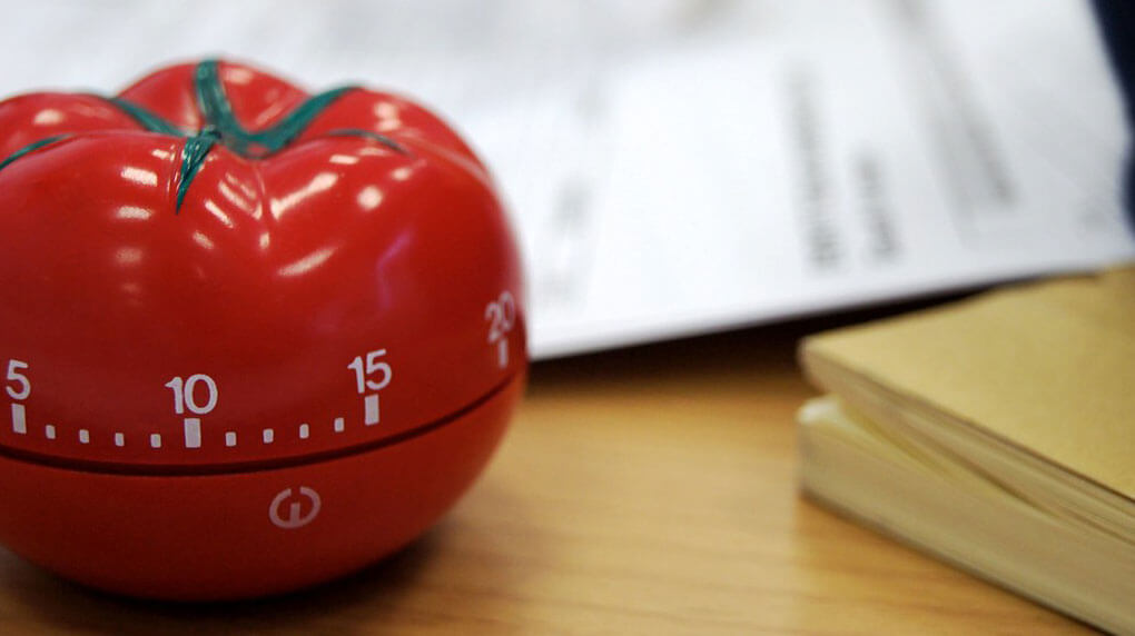 a tomato shaped pomodoro timer